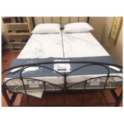 Can an adjustable bed have a footboard?
